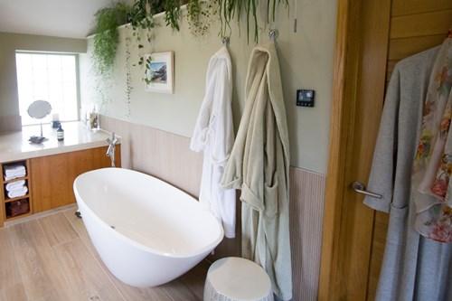 Bath in spa ensuite
